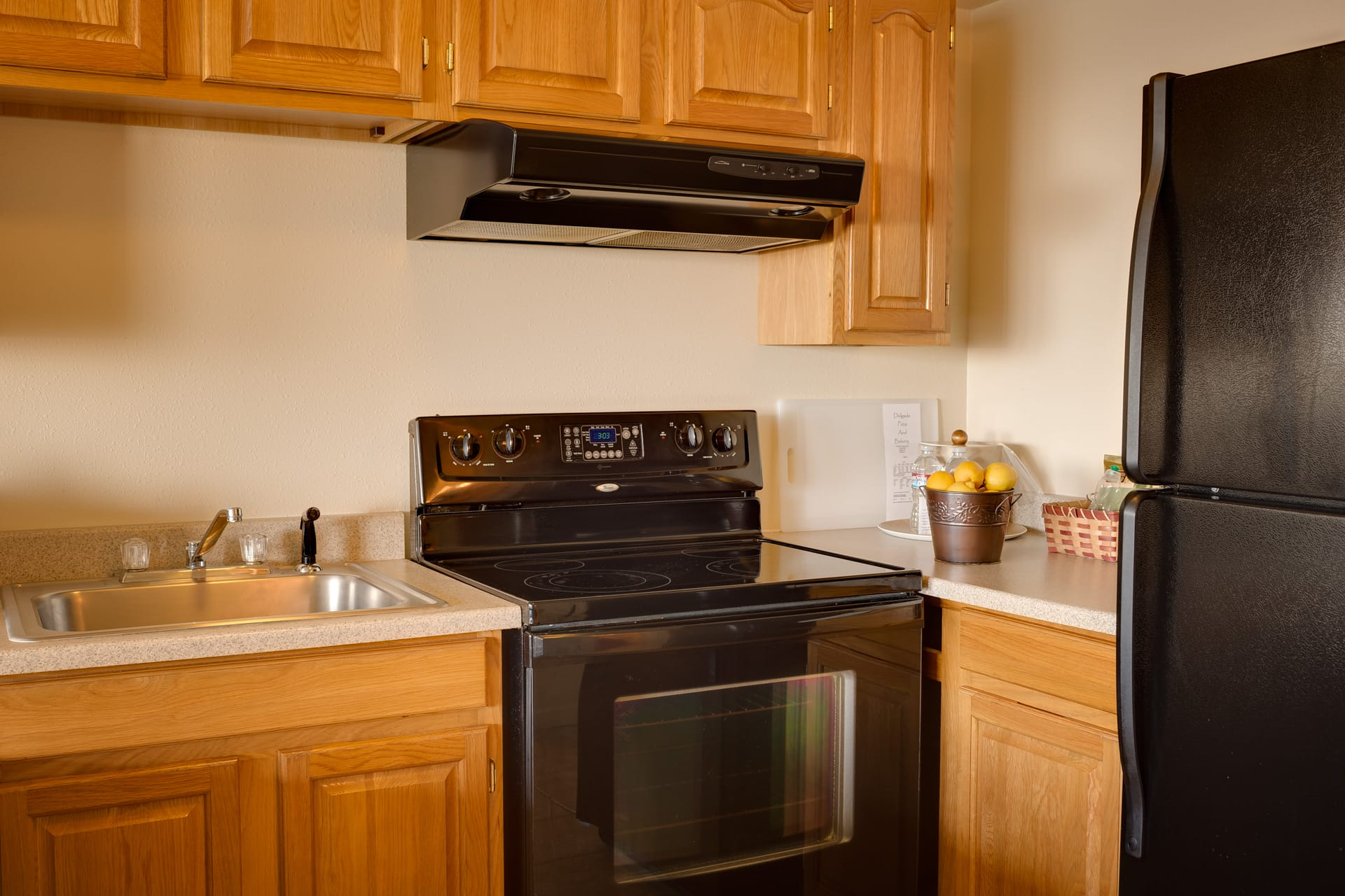 Inn of the Lost Coast Shelter Cove extended stay Kitchen Suite with full-size stove, oven, microwave and refrigerator.